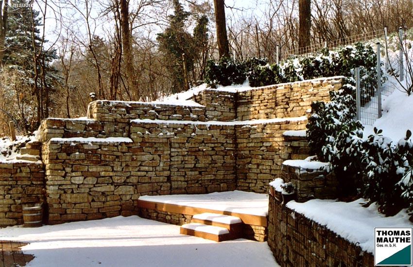 Hangabstützung steinmauern im garten